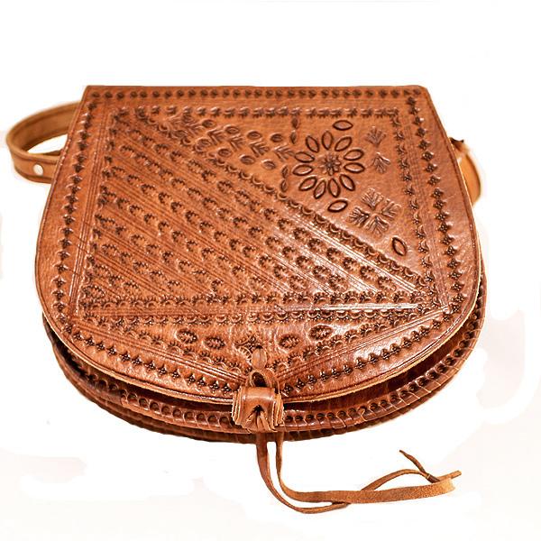 Hermoso Bolso marroquí elaborado con cueros naturales. 12b096180c4d